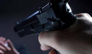 LAS VARILLAS: AMENAZÓ A SU MUJER CON UN ARMA DE FUEGO