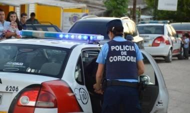 Córdoba: un policía de franco hirió a un hombre en un tiroteo tras un intento de robo