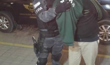 Familia se organizaba en turnos para vender cocaína las 24 hs. en Cosquín. Tres detenidos