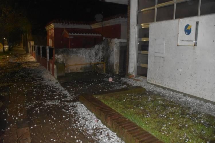 EL FORTÍN: INUSITADA PEDREA DEJÓ MÚLTIPLES DAÑOS TRAS DIEZ MINUTOS TERRIBLES
